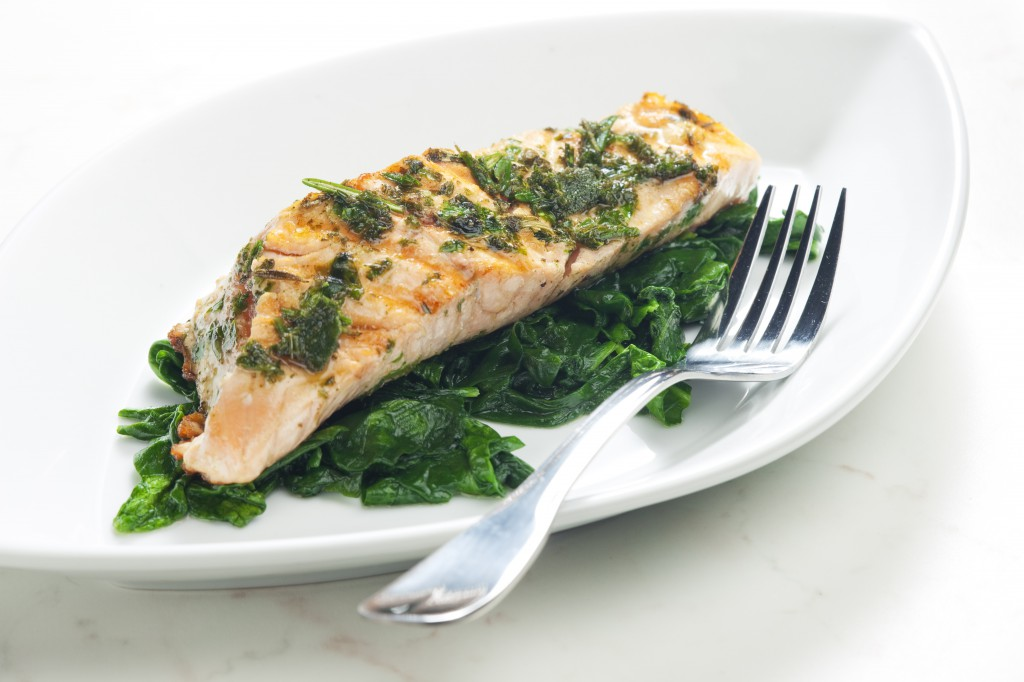 salmon_with_wilted_spinach_55252132