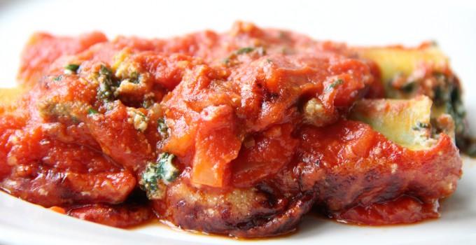 Spinazie/Ricotta canneloni met tomatensaus